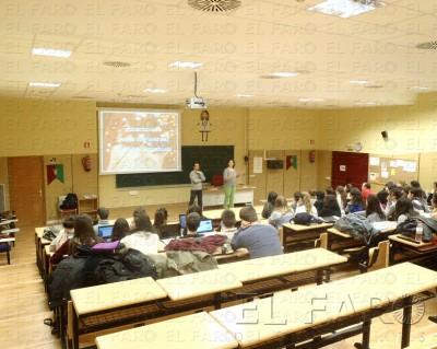 Juani y Luciano dando clase en la UAM