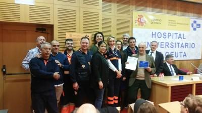 El equipo del 061 con su premio