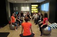 Maite con los alumnos del curso pilates para gestantes